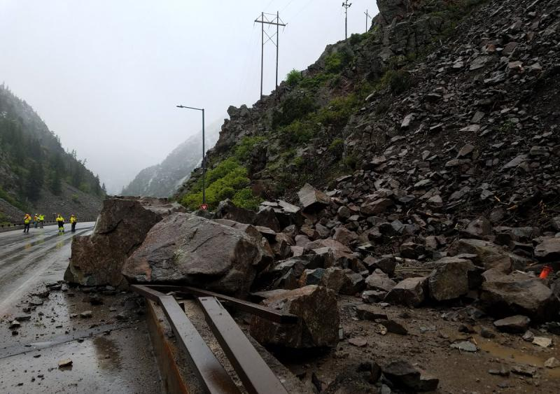 Colorado rockslide I-70 Glenwood Canyon